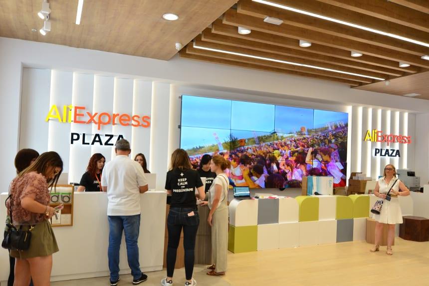 Alibaba abre su segunda 'AliExpress Plaza' en Cataluña