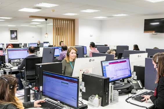 LG inaugura un centro de atención al cliente en Valencia