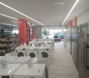 Un asociado de Cris Abora abre una tienda de electrodomésticos