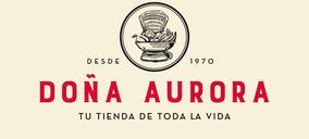 Díaz Cadenas estrena la enseña Doña Aurora