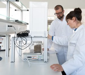 Nestlé destinará 1.800 M€ para potenciar el plástico reciclado
