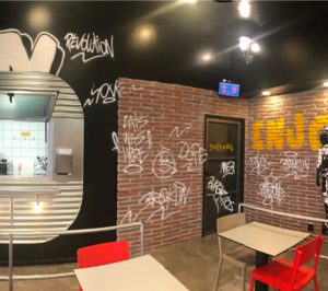 Comess Group lanza Burgritos, un concepto que combina burrito y hamburguesa