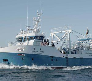 Nueva Pescanova echa al mar el primero de sus nuevos barcos para Mozambique