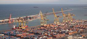 Un depósito de contenedores cesa actividad en el Puerto de Barcelona