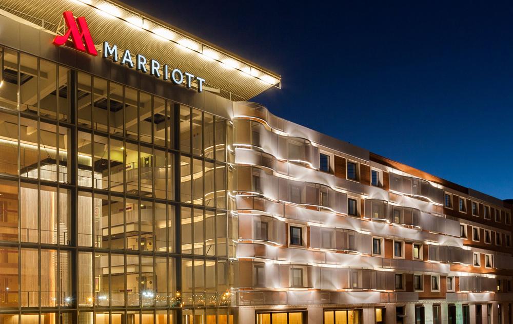 El 'Ayre Hotel Colón' y el 'Marriott Auditorium', los dos primeros establecimientos que se medicalizan