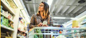 Los españoles van menos veces a comprar pero llenan más sus cestas
