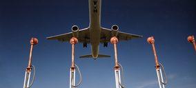 La carga aérea desciende casi un 30% en marzo