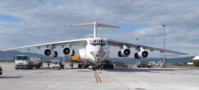 Cien aviones cargueros vuelan con material sanitario