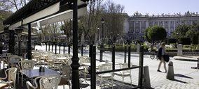 El Café de Oriente reabre con servicio de terraza y take away