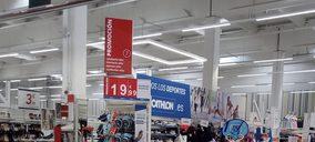 Auchan comienza con Decathlon la implantación en Alcampo de córneres de no alimentación