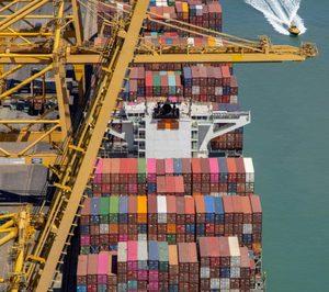 El Covid-19 limita el ritmo del puerto de Barcelona