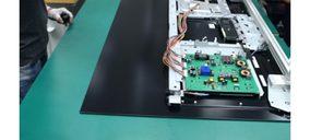 Loewe mantiene la fabricación artesanal de televisores OLED en su planta de Kronach