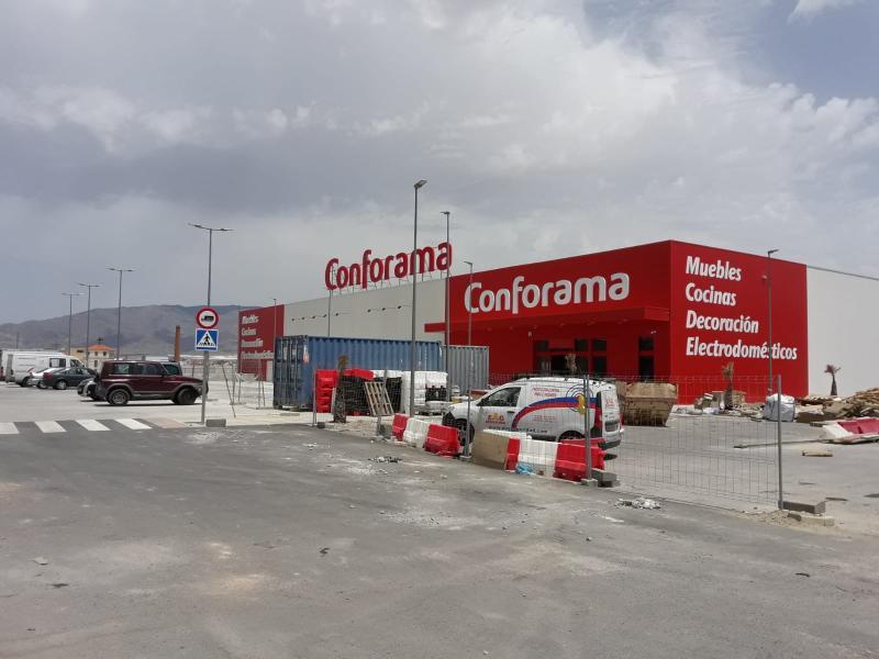 Conforama inaugura dos nuevas tiendas en España y reitera que abrirá otros 20 centros más en los próximos años