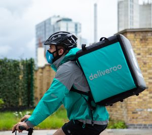 Supermercados Sanchez Romero amplía sus opciones de compra no presencial con Deliveroo