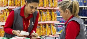 Auchan mantiene ventas con 4.652 M brutos y recorta la inversión un 64%
