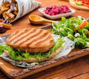 Serrano lanza una gama de hamburguesas de pollo fortificadas con verduras
