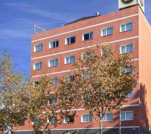 Una cadena de hoteles económicos vende su único activo en propiedad