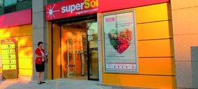 Supersol inicia su salida de España con la venta de sus supermercados a Carrefour