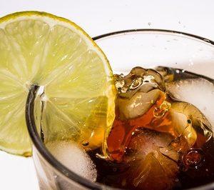 El impuesto a las bebidas azucaradas se incrementará del 10% al 21% en 2021