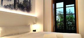 Un operador hostelero prepara la apertura de un nuevo hotel tras sellar un acuerdo con una cadena de restauración