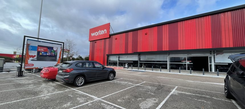 Worten está ya desmantelando las 14 tiendas que cerrará en la España peninsular