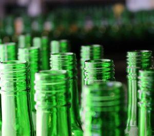 Vidrala crea la primera botella de vidrio con un 100% de material reciclado