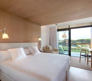 El hotel Empordà Golf reabre tras su reforma