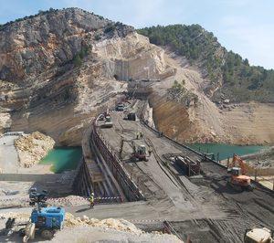 Cemex participa en la construcción de la presa de Santolea