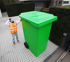 Casi la mitad de los españoles está cerca de quedarse sin espacio en los cubos de reciclaje