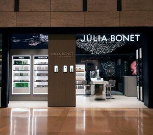 Balance positivo para la red de Perfumerías Júlia, que introduce un nuevo modelo y enseña