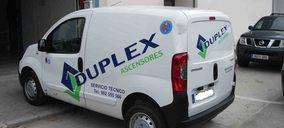 Duplex compra y absorbe ascensorista andaluza