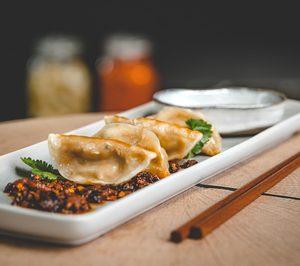 Meatless Farm extiende su oferta plant-based a aperitivos y platos preparados