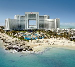 CaixaBank financia con 825 M a Riu Hotels & Resorts para su compra del 49% de Tui en 19 hoteles y para el desarrollo de nuevos proyectos