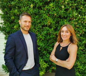 Isabel Hidalgo, directora de Ventas y Marketing, y Sergi Agorreta director de F&B, del Dolce by Wyndham Sitges