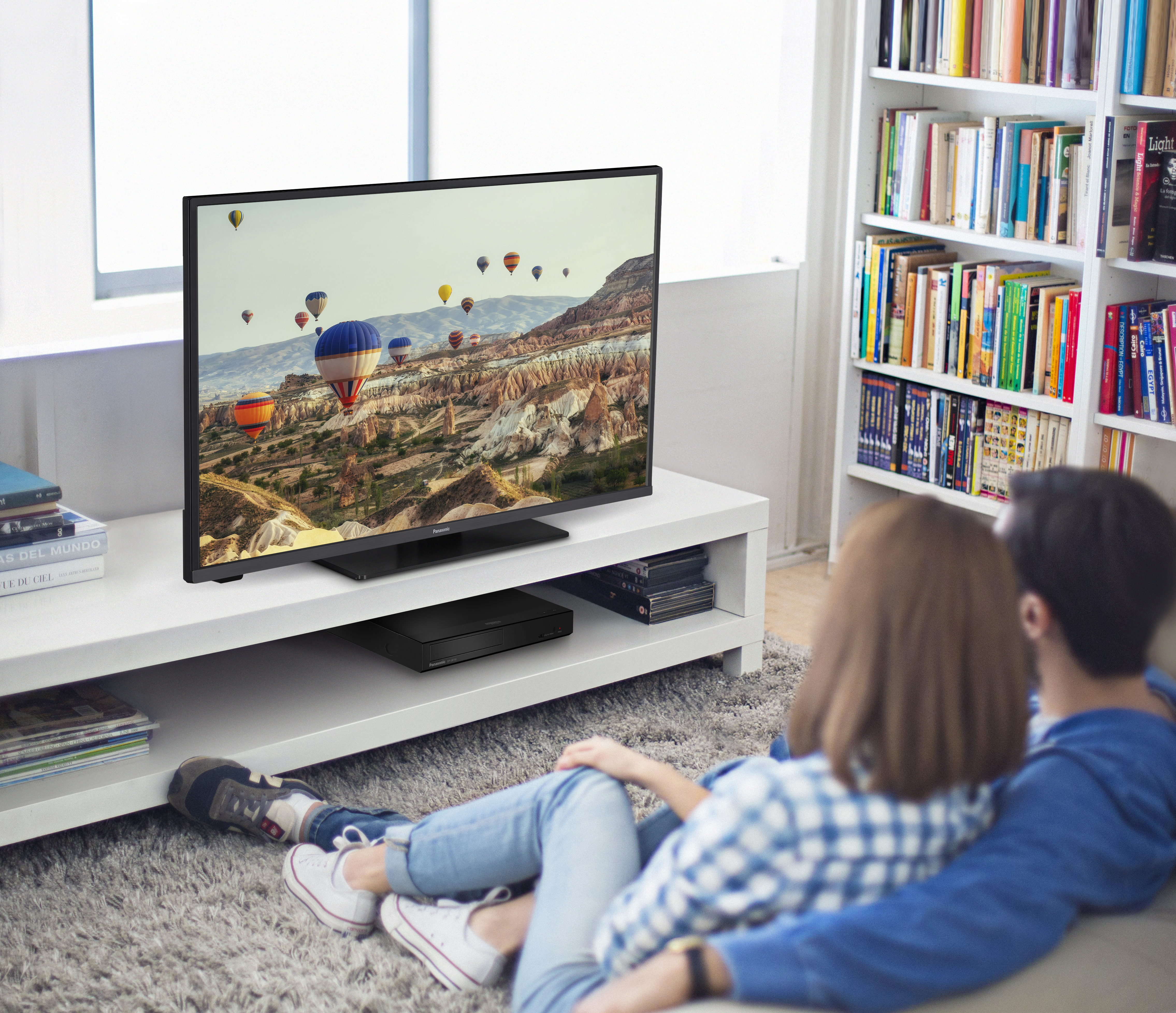 Panasonic amplía su gama de televisores con las series JX600 y JX700