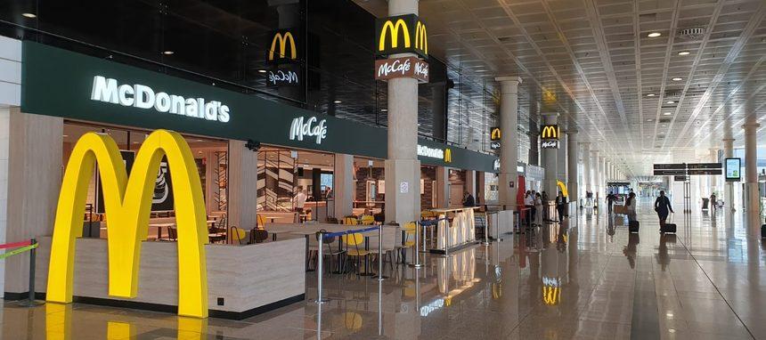 McDonalds dobla su presencia en el aeropuerto de Barcelona