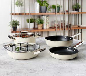 Las novedades de Smeg se llaman menaje y cocina
