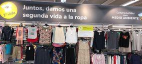 Carrefour y Alcampo venden ropa de segunda mano en sus hipermercados
