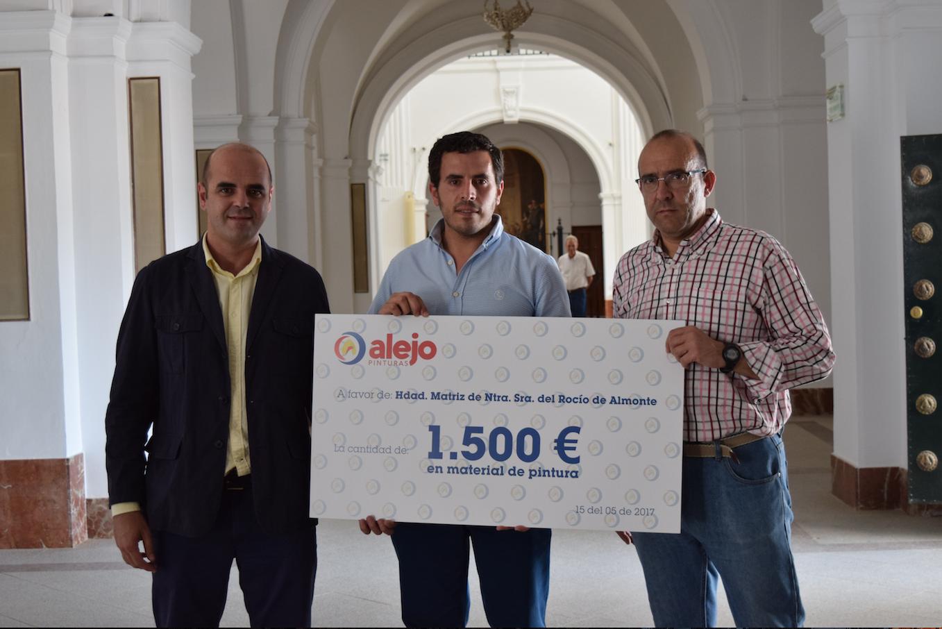 1.000 litros de pintura donados por Pinturas Alejo para la reforma de la Ermita de El Rocío